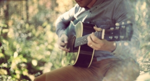 guitar_Fotor hazy